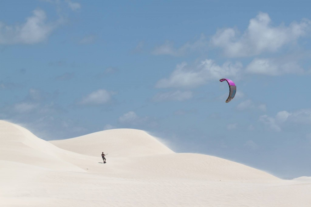 sci kiting in the desert in western australia