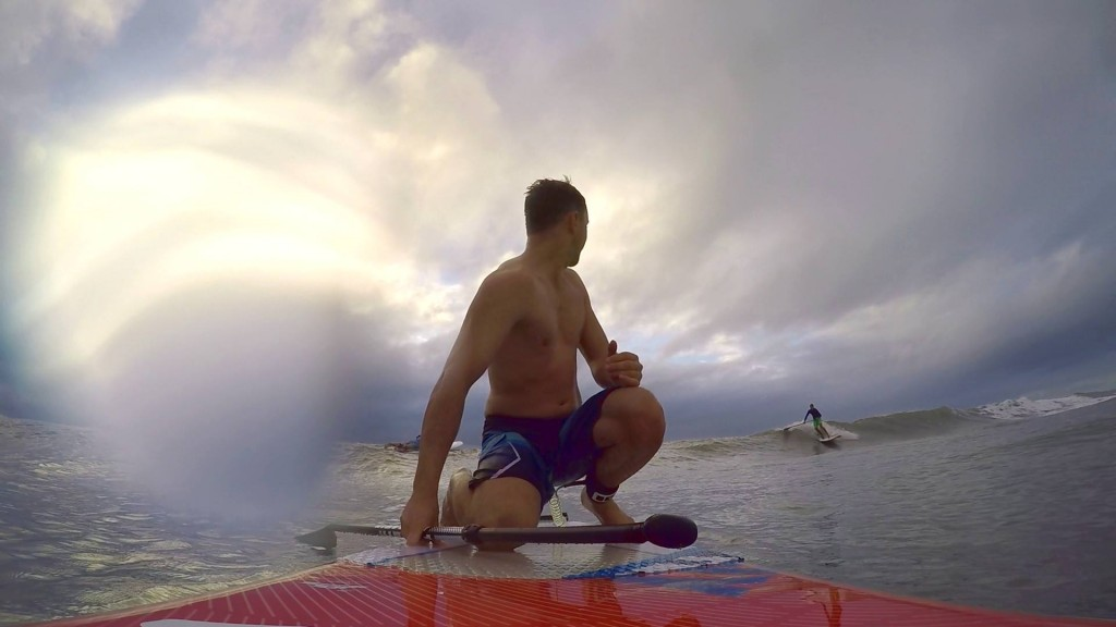 Alva Sup Surfing